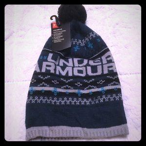 Under Armour winter snow Pom Pom ball hat coldgear